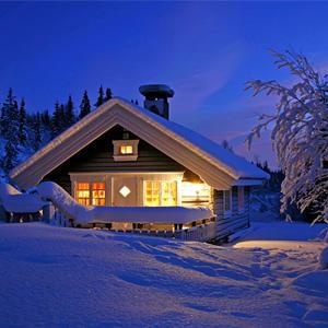 А за городом зима: как выбирать загородное жилье в низкий сезон, чтобы сэкономить и не разочароваться